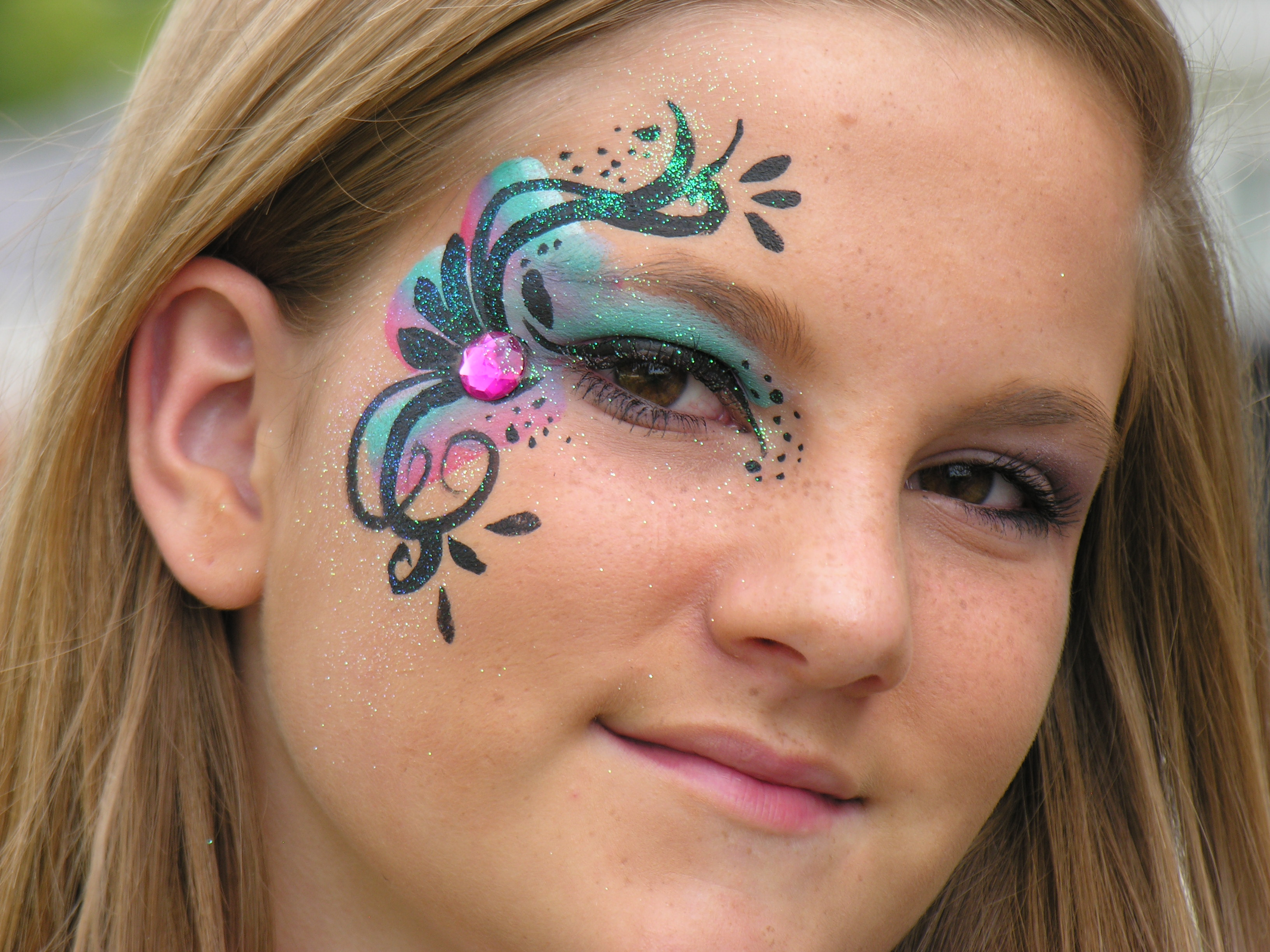 eye design face paint | the painted otter