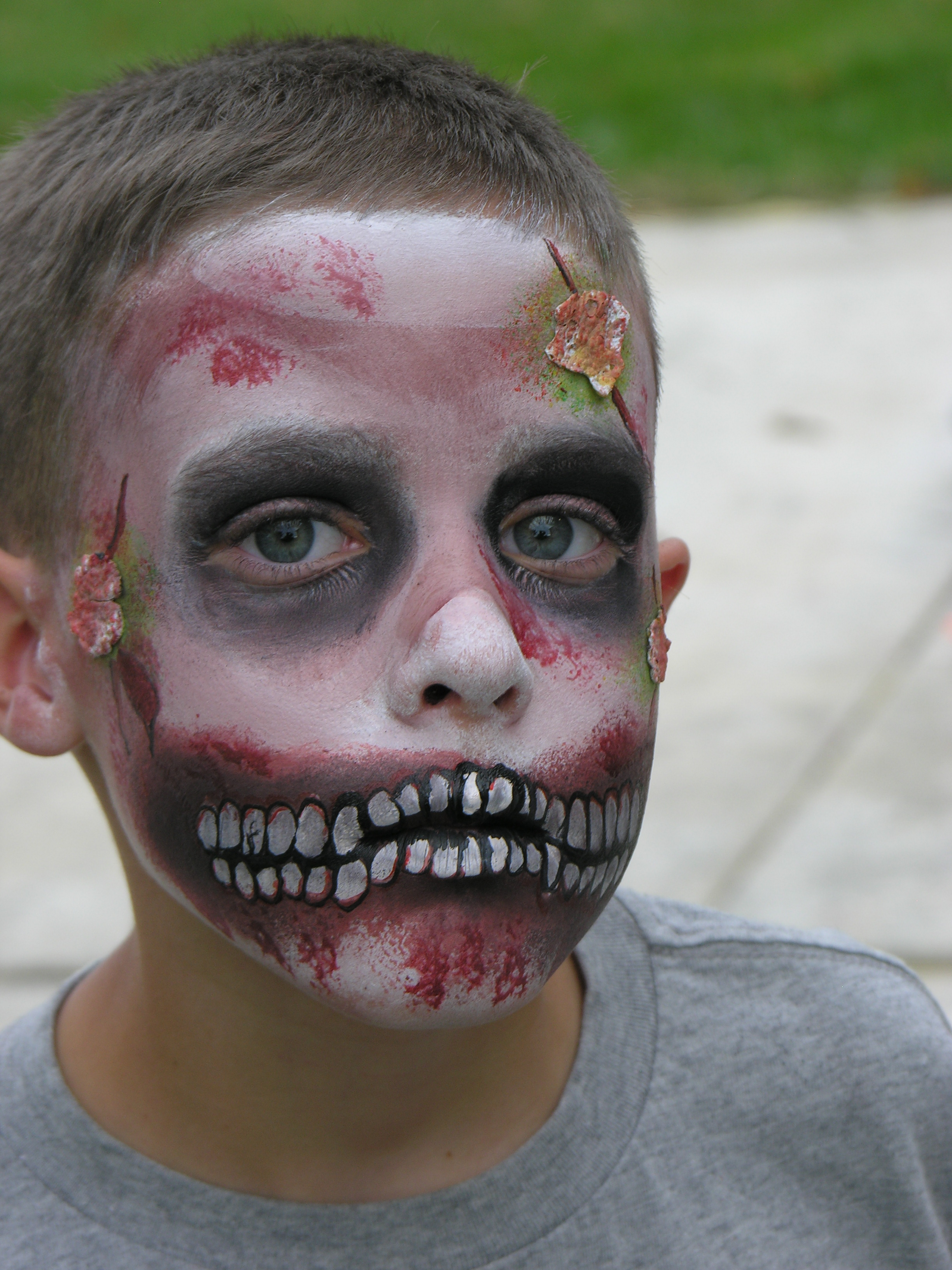 zombie face painting - Zombie Halloween Faces