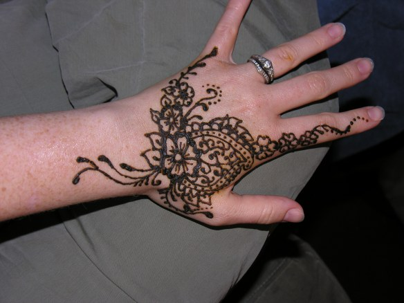 henna hand design with flowers